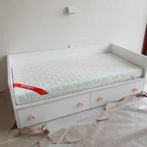 lovos-vaikams-su-stalčiais-FORMA