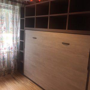 Sieninės-lovos-spintoje
