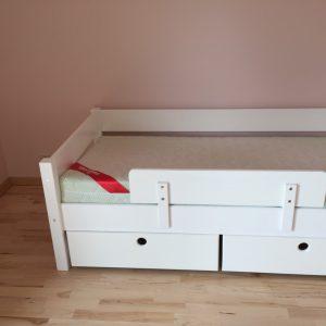 lova-vaikui-su-apsauga-ir-stalčiais