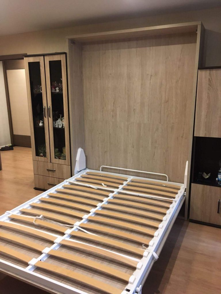Sieninė-atlenkiama-lova