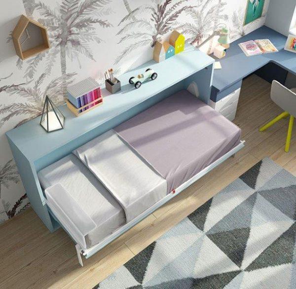 Sieninė-lova-jaunuolio-kambariui