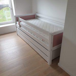 Кровати для двоих детей с защитой