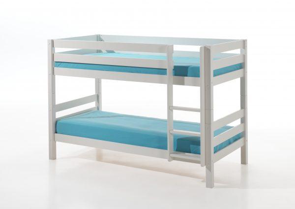 balta-dviaukštė-lova-jaunuolio-kambariui
