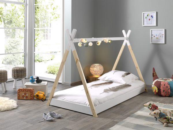 Vaikiška-lova-namelis