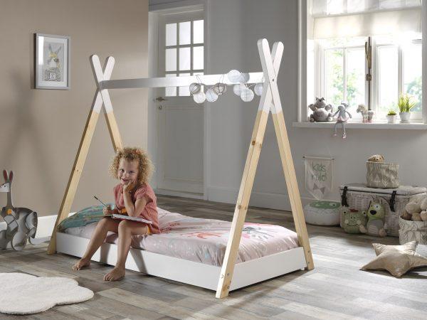 Lova-namelis-vaikams-nuo-2-metų