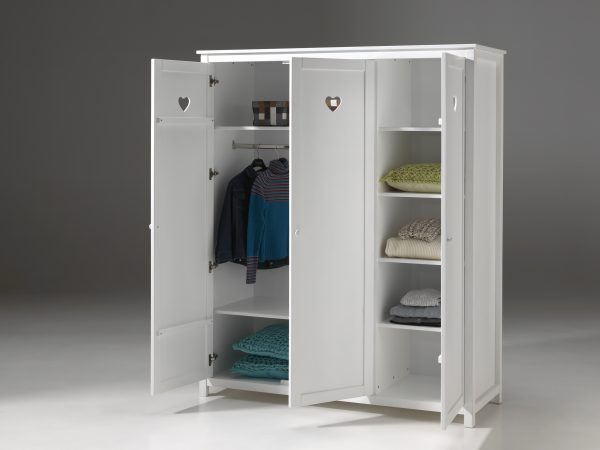 provanso-stiliaus-baldai-spintos