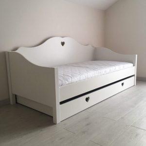 lova-mergaitei-monoidėja