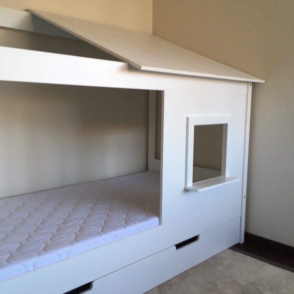 lova-namelis-vaikams-baltas