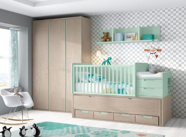 Auganti-transformuojama-kūdikio-lovytė-vaikams