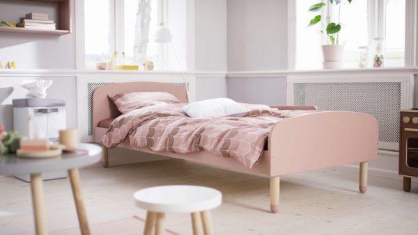 lova-mergaitei-200x90-čiužiniui