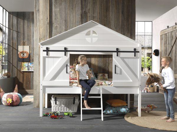 lovos-nameliai-vaikų-kambariui
