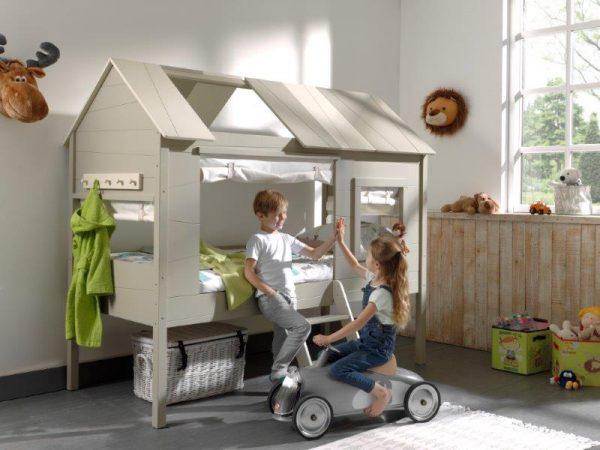 vaikų-kambario-lova-namelis