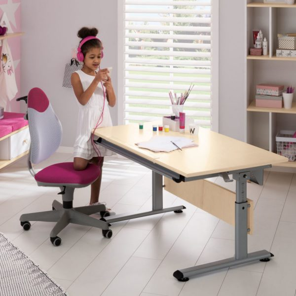 mergaitės-kambario-baldai-paidi-augantis-stalas