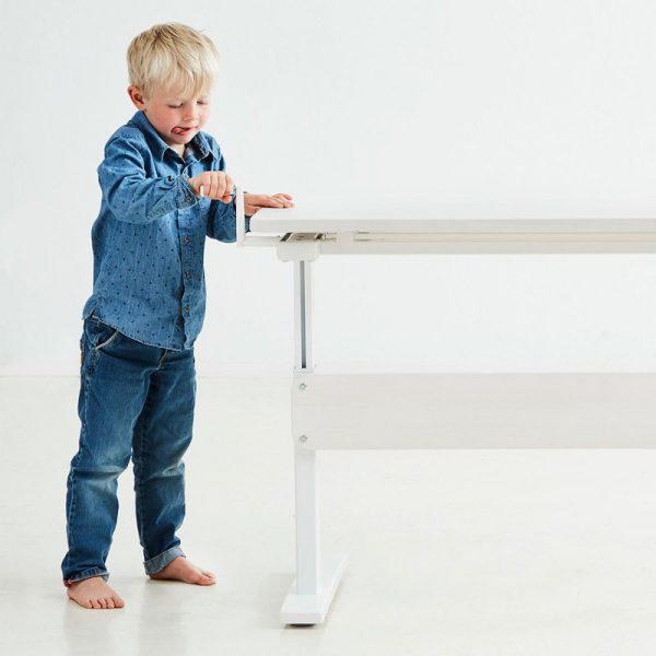 FLEXA-stalas-vaikams-augantis