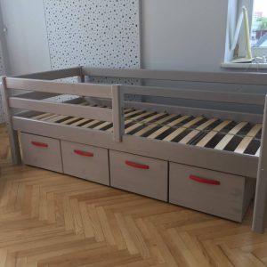 lova-su-apsauga-ir-stalčiais