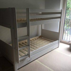 dviaukštė-lova-jaunuoliui