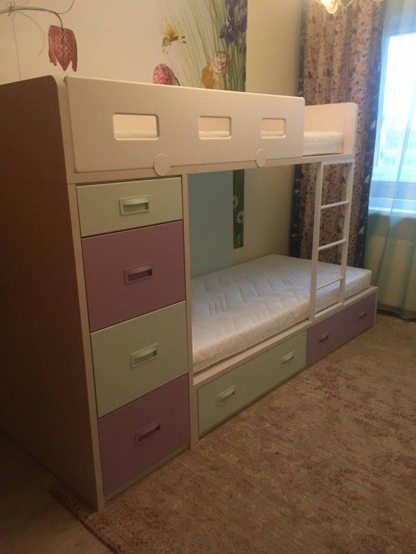 lova-dviems-vaikams