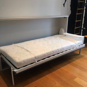 atverčiama-lova-spintoje