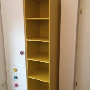 spinta-su-stalčiais-ir-lentyna-moduliniai-baldai