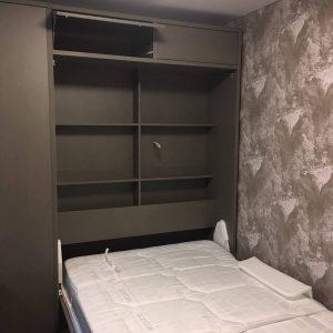 sieninė-lova-spintoje-monoideja