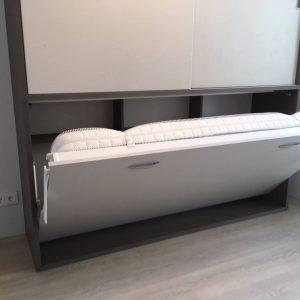 lova-spinta-vaikams