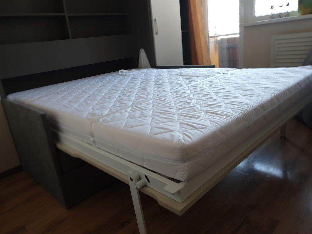 atlenkiama-lova-spintoje