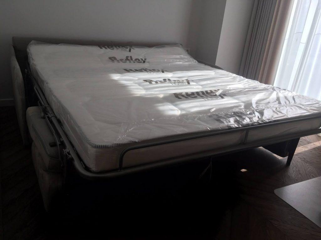 divans-gulta-monoideja-minkšti-baldai