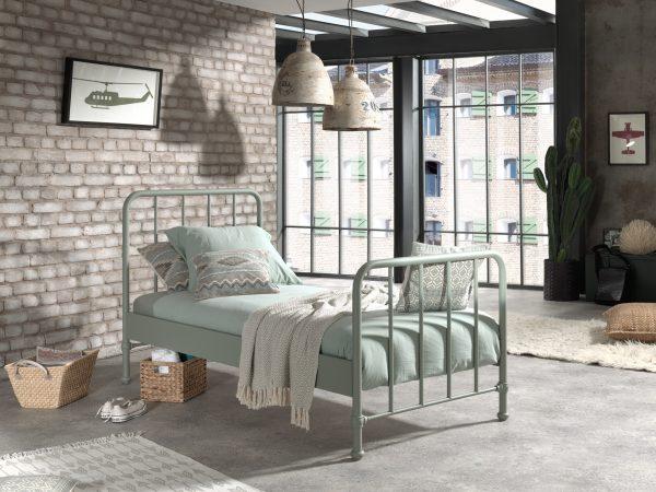industrinio-stiliaus-viengule-lova