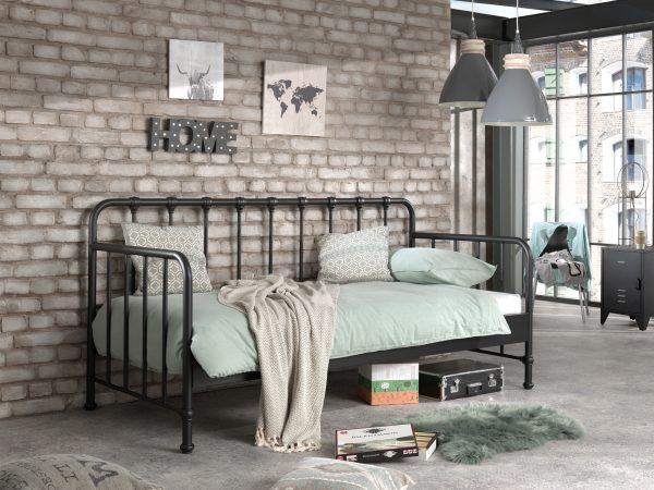 metalinė-sofa-lova-jaunuolio-kambariui-bronx