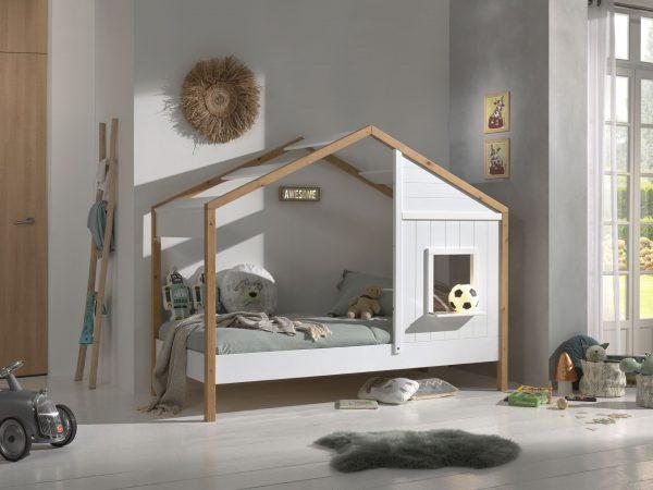 namelis-lova-vaikų-kambariui