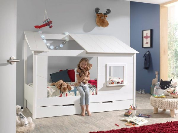 mergaites-lova-vaiko-kambariui